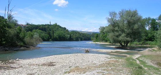 The low water level of the Reuss, Aare and Limmat at their confluence in Windisch in 2011. © Nadine Hilker