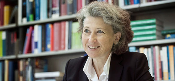 Photo of the outstanding researcher, Regina Kiener, professor of law at Zurich University. ©  Valérie Chételat